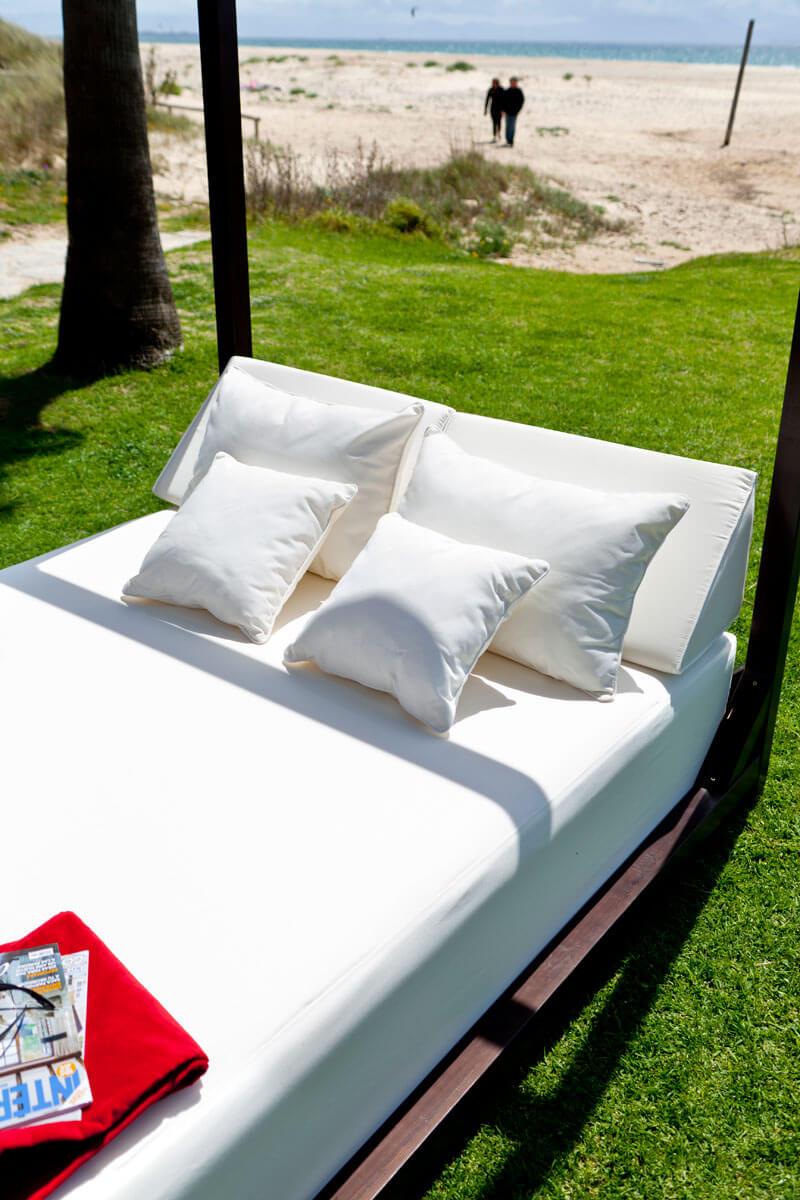 El confort ideal de dise o se llama cama balinesa for Cama balinesa ikea