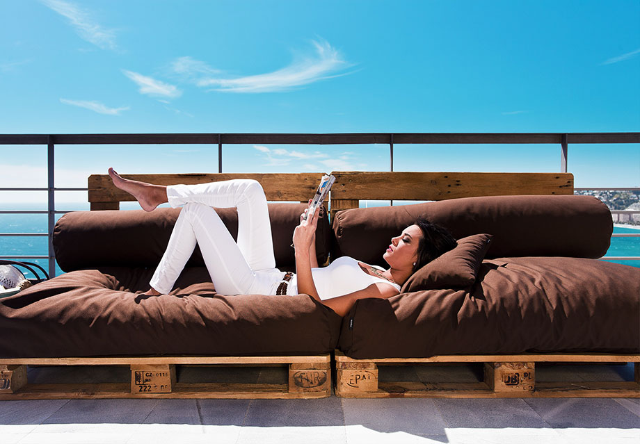 Dise a tus muebles con palets y puffs configurador online - Tela para forrar sillones ...