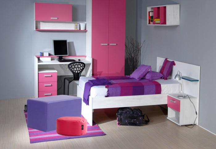 habitación decoración pufs rosa y violeta