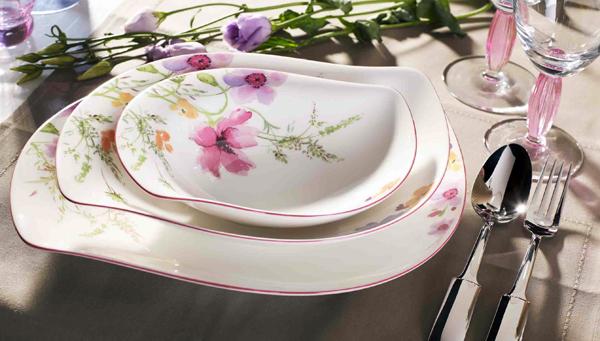 Para t o para tus invitados decora la mesa con vajillas