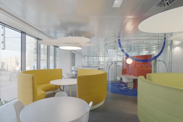 Nuevas oficinas de nivea espa a para incentivar la creatividad mipuf - Vaciado de oficinas en madrid ...